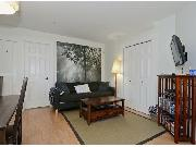 2 Bedroom Suite in House in Douglas Park near hospitals, Vancouver